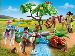 country-horseback-ride